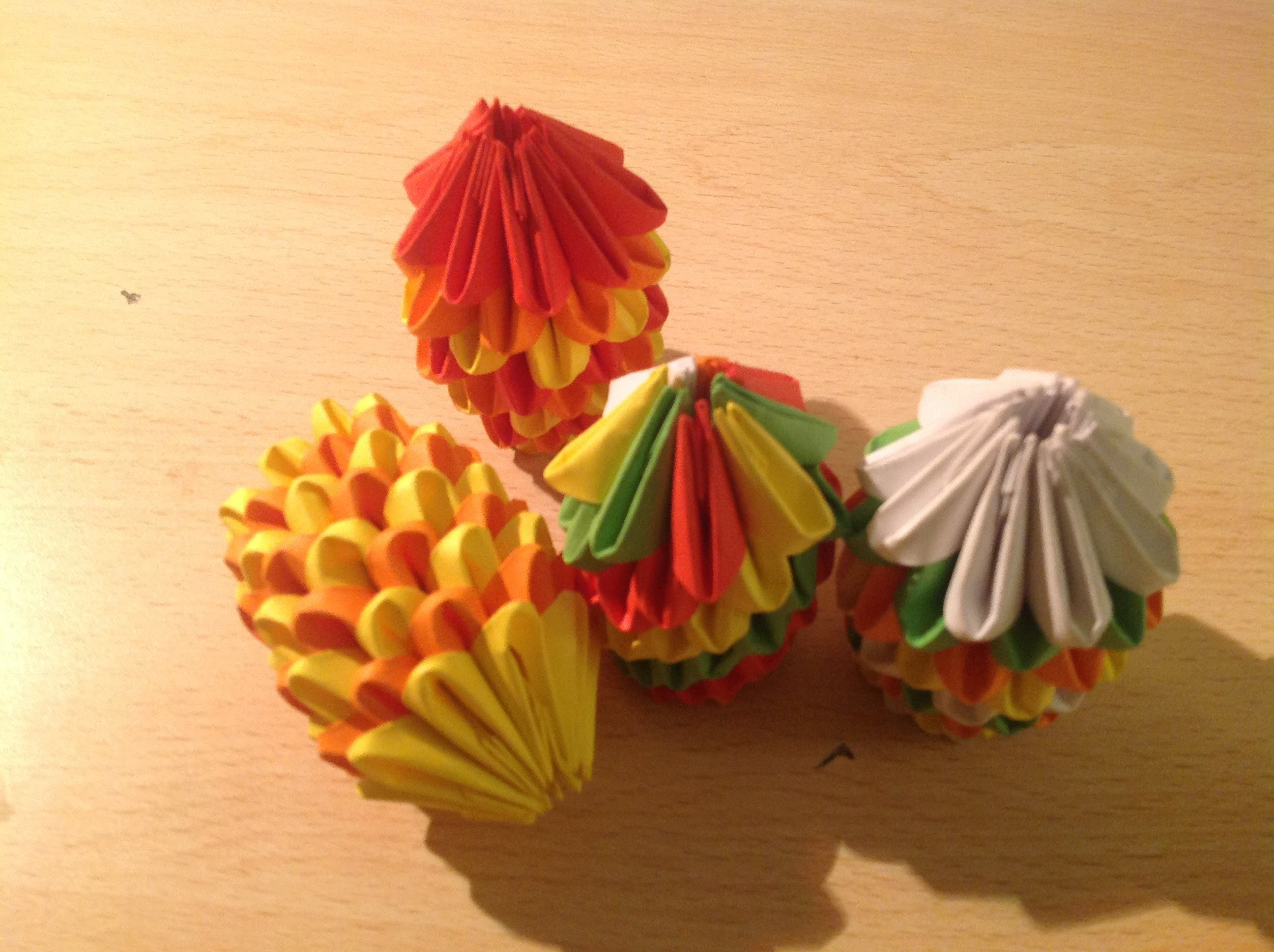 Origami tutorial 03:la palla di natale