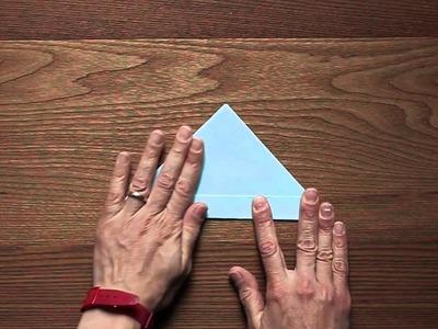 Lavoretti con la carta: realizzare una barchetta origami
