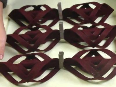 Realizziamo una Stella Origami in feltro.We carry a Star Origami Felt