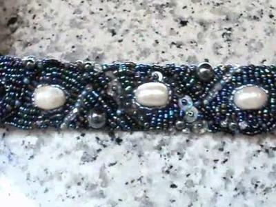 Bead embroidery cuff - Primo bracciale