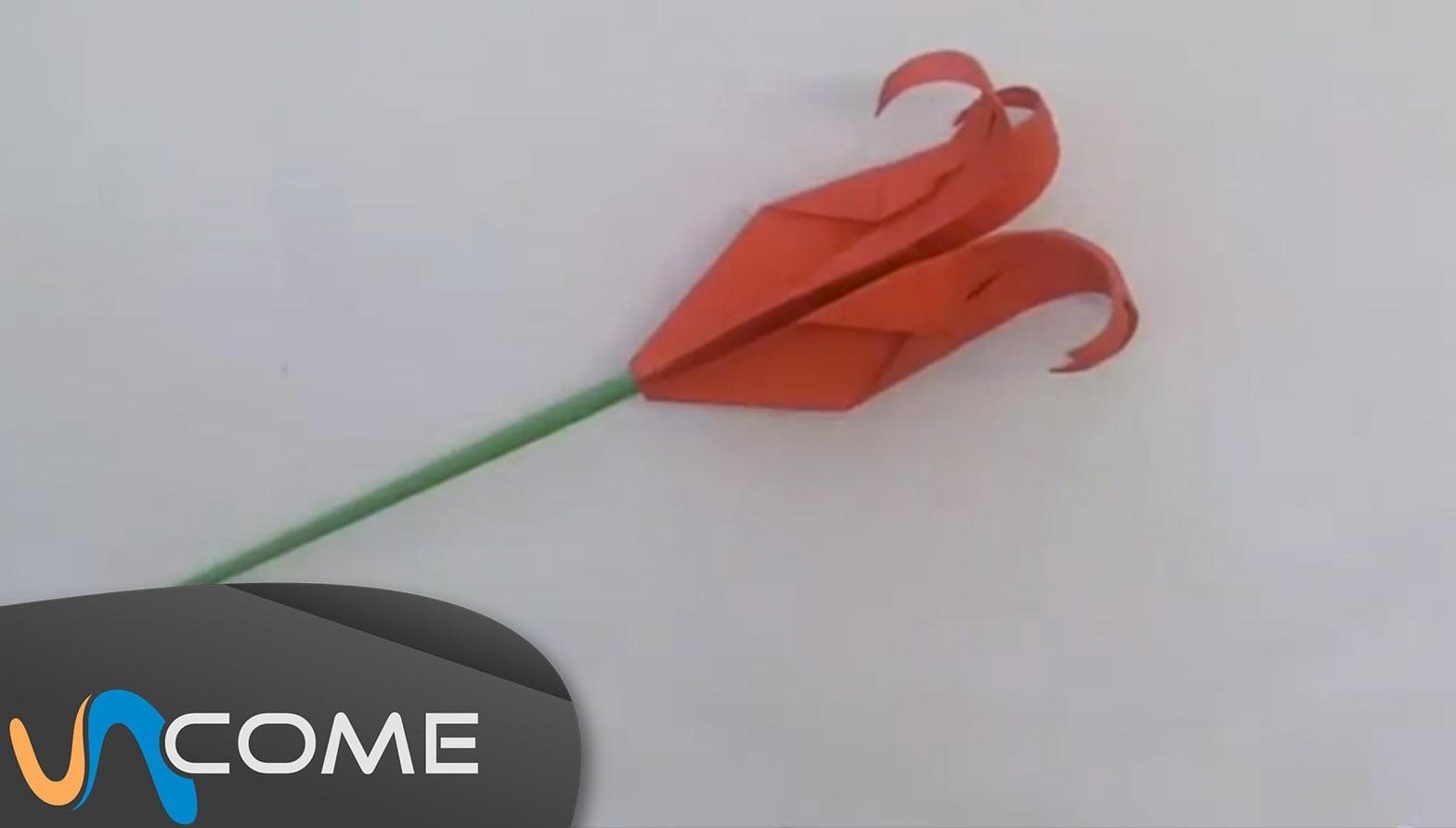 Fare l'origami di una rosa