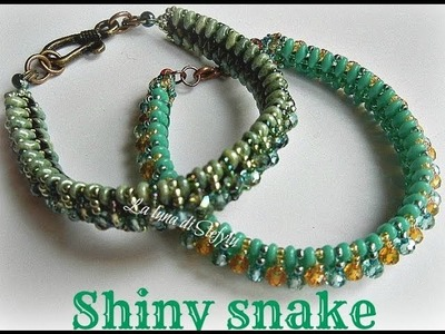 Shiny Snake  bracciale con superduo, toho e cipolline 4mm
