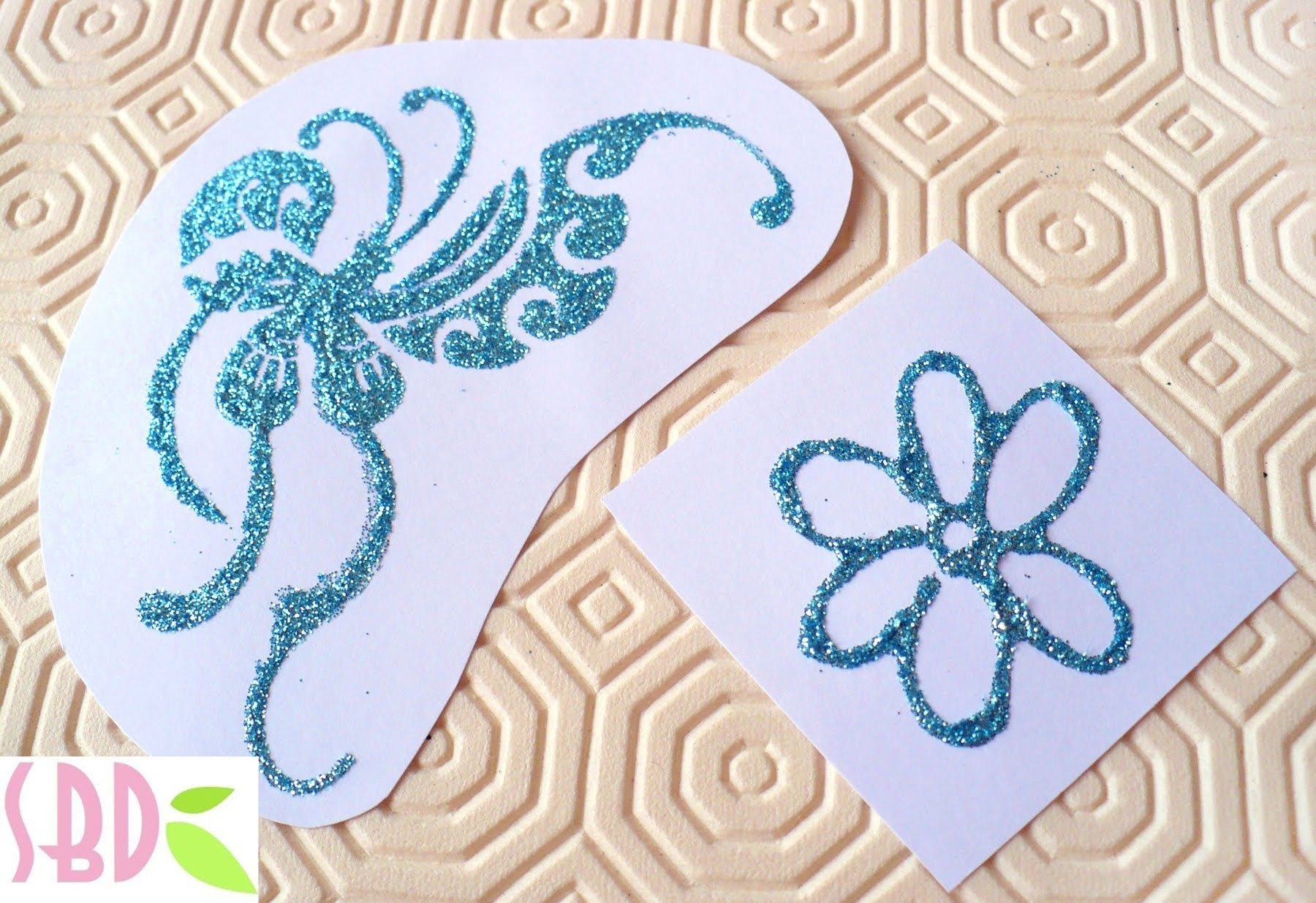 Tecnica Scrap: Embossing o rilievo Fai-da-te - DIY Embossing