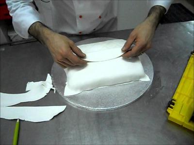 Realizzazione di una torta a forma di borsa