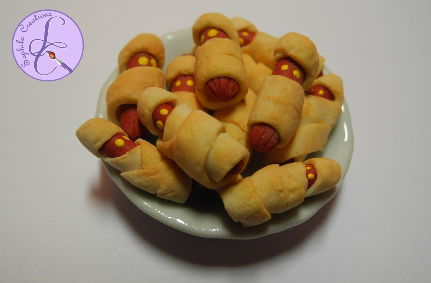 Tutorial: Hot-Dog mummia in fimo per Halloween (hot-dog mummies in polymer clay) [eng-sub]