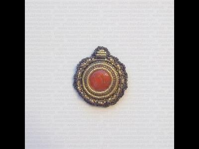 Sarubbest - Orecchino embroidery realizzato con perline e cabochon Golden Coral in Fimo