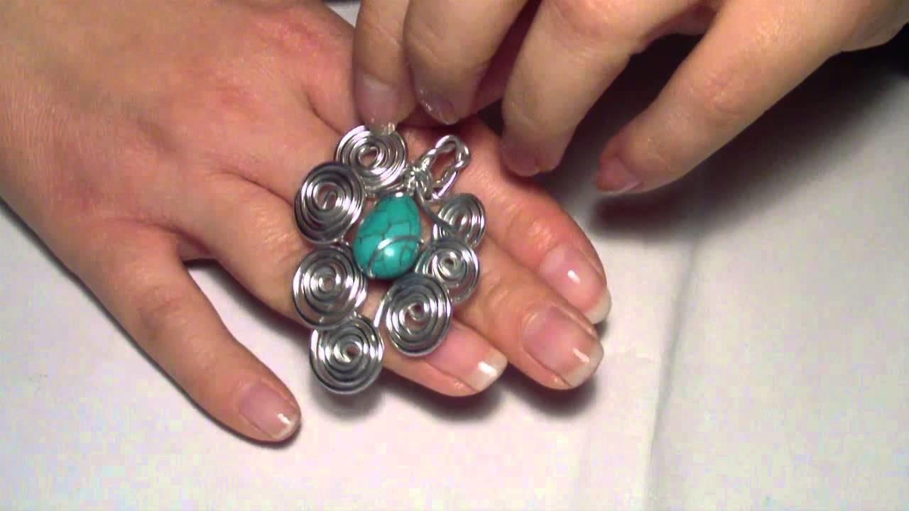 Creazioni: chiavi wire, orecchini brick stitch, orecchini minerva, ciondolo astrea, bracciale wire