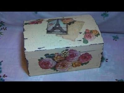 Tutorial: Decoupage su bauletto di legno con carta di riso, effetto shabby chic e cracklè [eng-sub]