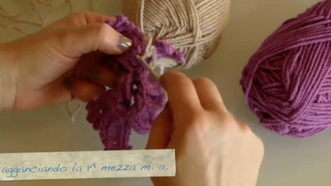 Uncinetto Fashion: Cuscino a fiori - Fronte - La BASE del FIORE piccolo