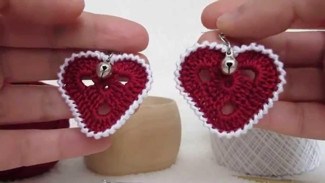 Orecchini a forma di cuore, realizzati a mano e lavorati a uncinetto. Idea regalo per San Valentino.