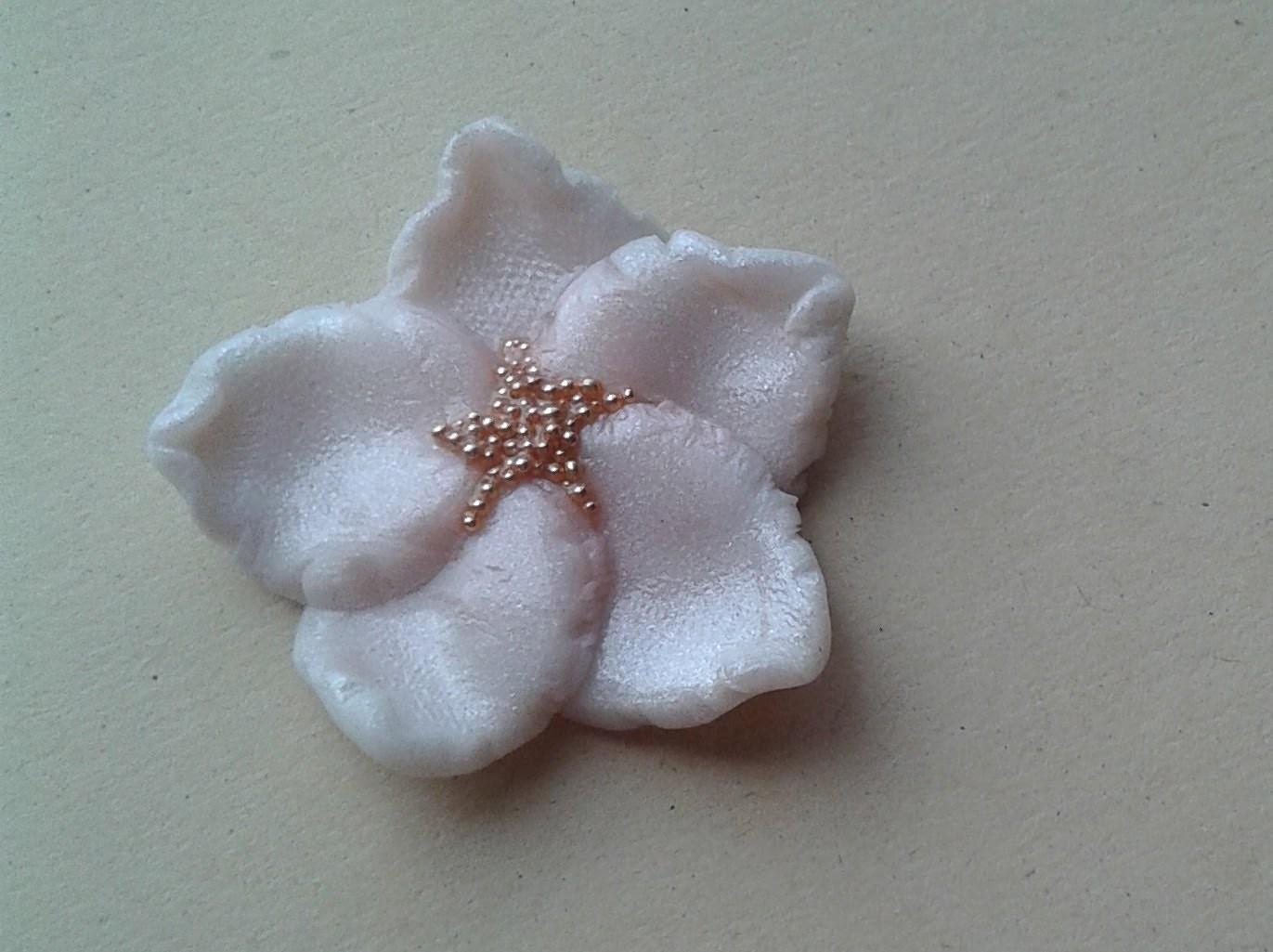 DIY Polymer clay: Tutorial fiore di Mandorlo. Almond Blossom