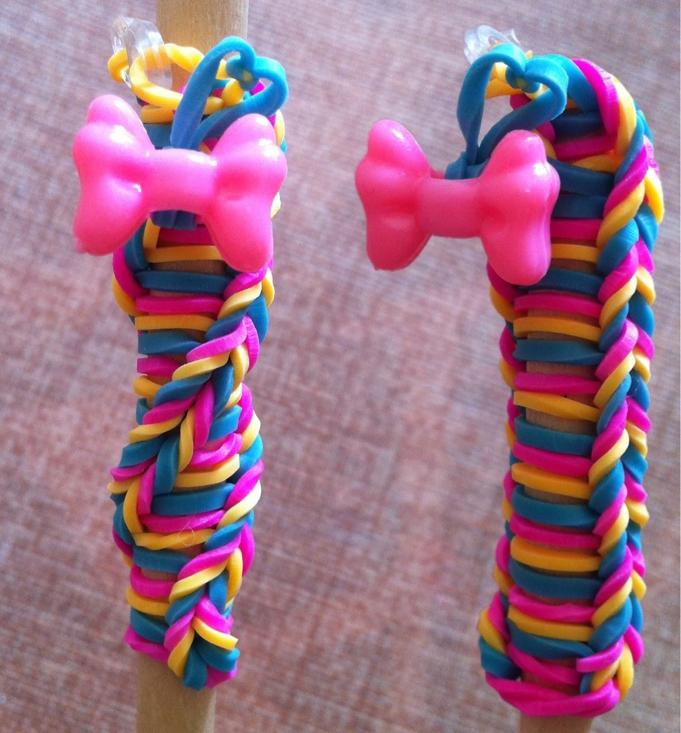 TUTORIAL MATITA RAINBOW LOOM CON DUE DITA TWIST FISHTAIL- DIY LOOM PENCIL USING TWO FINGERS