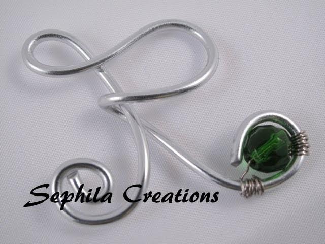 Tutorial: Ciondolo a forma di lettera in wire (charm with artistic wire)