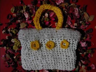 Tutorial per creare una borsa ecologica all'uncinetto riciclando sacchetti di plastica