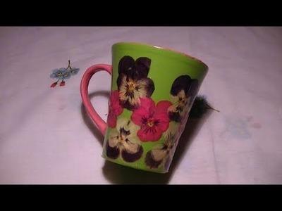 Tutorial: Decorazione di una tazza in ceramica con fiori secchi e vetrificazione