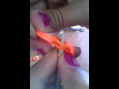 Come fare una carota con elastici e uncinetto