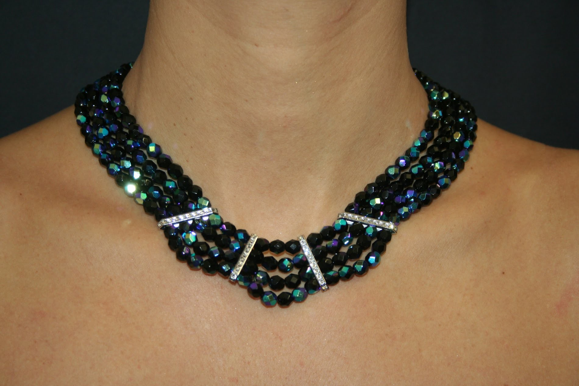 DIY Necklace with Swarovski Strass Bars and Fire Polished Beads - www.perlinebijoux.com