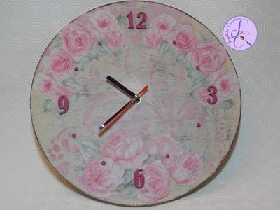 Tutorial: Decoupage, cracklè, stencil ed effetto shabby su orologio di legno [sub-eng]