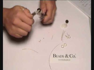 Fare un paio di  orecchini con madreperla - lezione 15 - Beads&Co