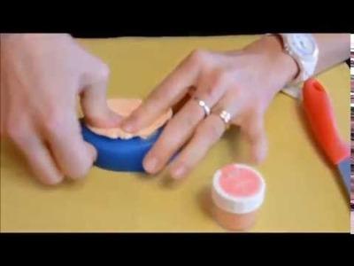 Realizzare un neonato in pasta di zucchero con lo stampo in silicone