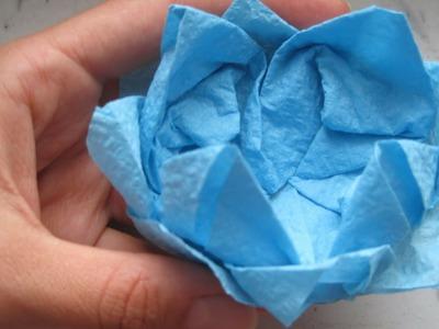 Fiore di Ninfea da un Tovagliolo di carta.How to fold a napkin flower