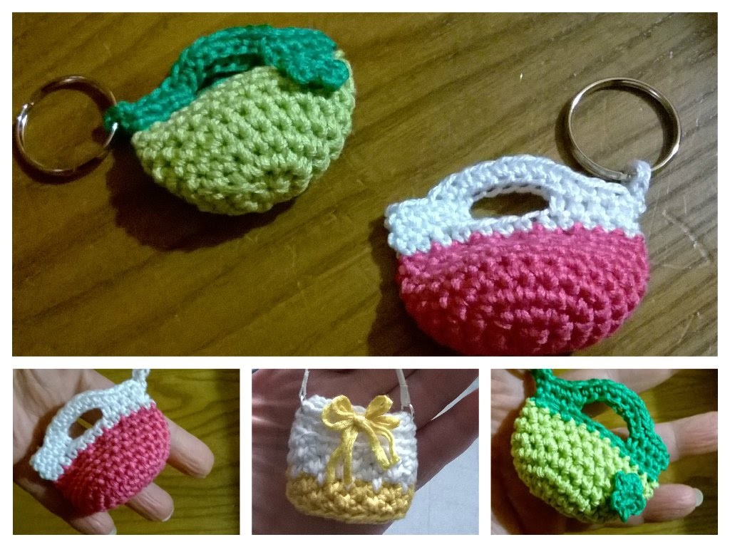 BORSETTA PORTACHIAVI UNCINETTO.CROCHET BAG KEY RING