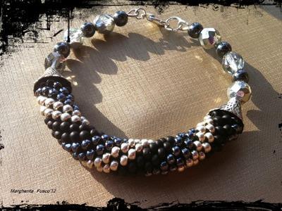 Gioielli terminati Agosto perle crochet bracciali embroidery fimo  caucciù etc.