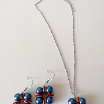 orecchini e collana