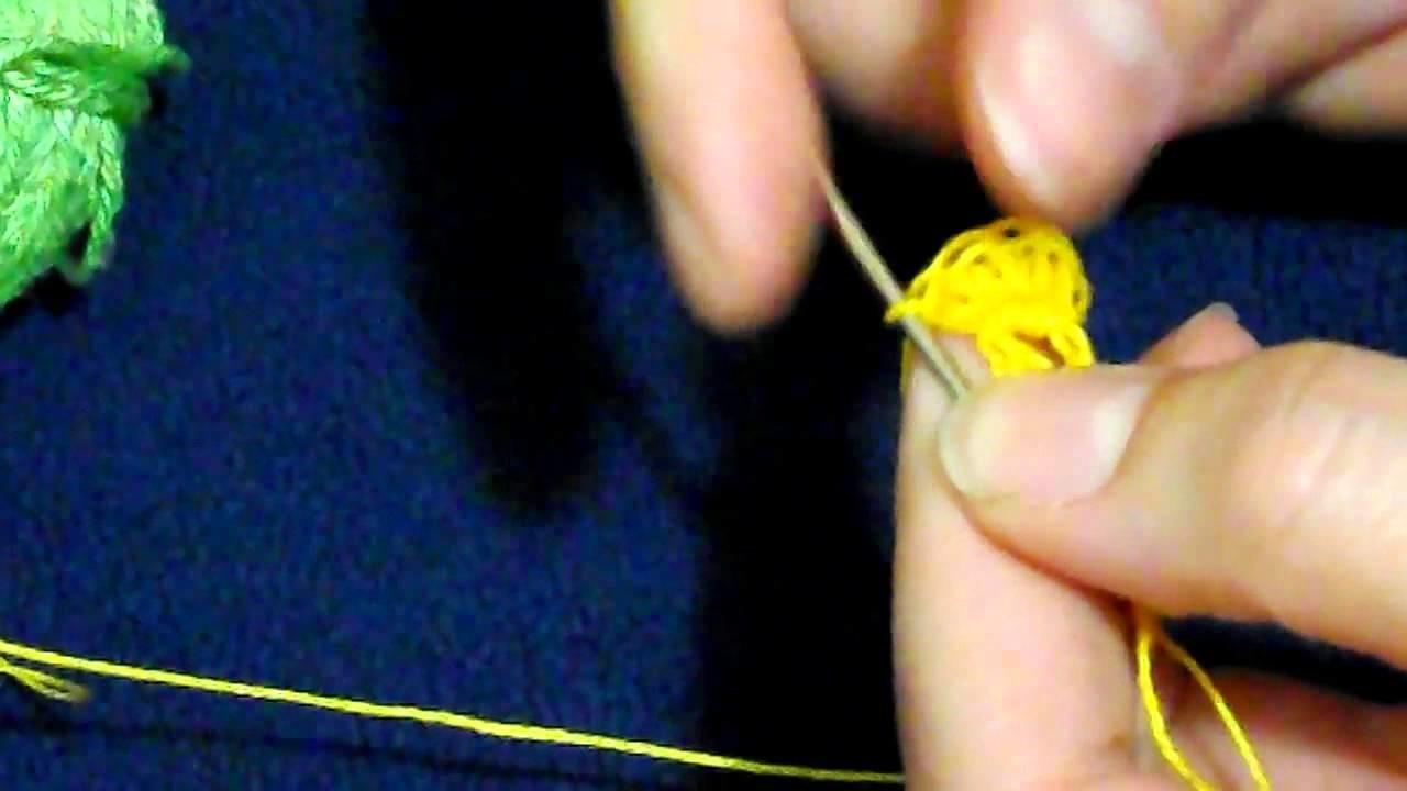 Come realizzare gli orecchini mimosa ad uncinetto