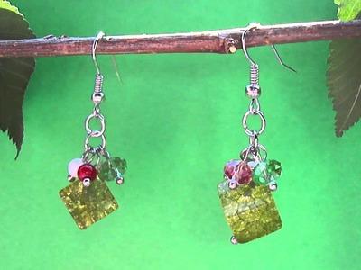 Orecchini pendenti con perline cubiche verdi