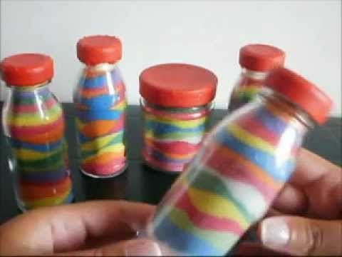 Tutorial: bottigliette di vetro con il sale da cucina colorato
