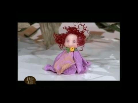 MANI DI LARA - Fatina in Fimo con petali di rosa