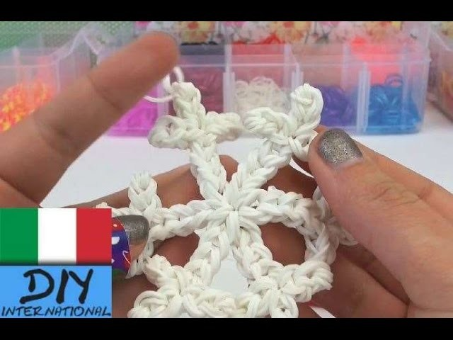 Fiocco di neve Rainbow Loom charm Tutorial Italiano - how to make a loom bands snowflake