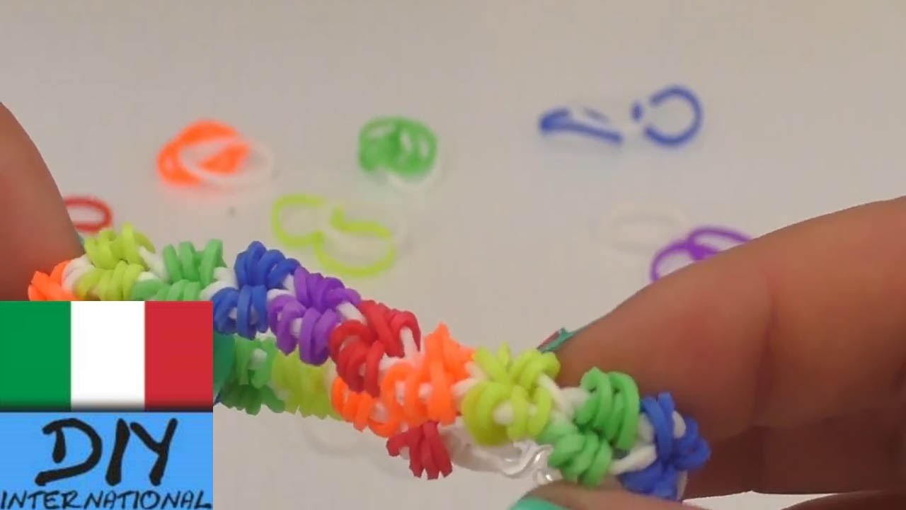 Braccialetto con elastici colorati loom band