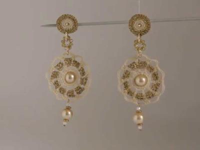 Orecchini pendenti bianchi e dorati all'uncinetto - by Maricò - Creazioni Uniche
