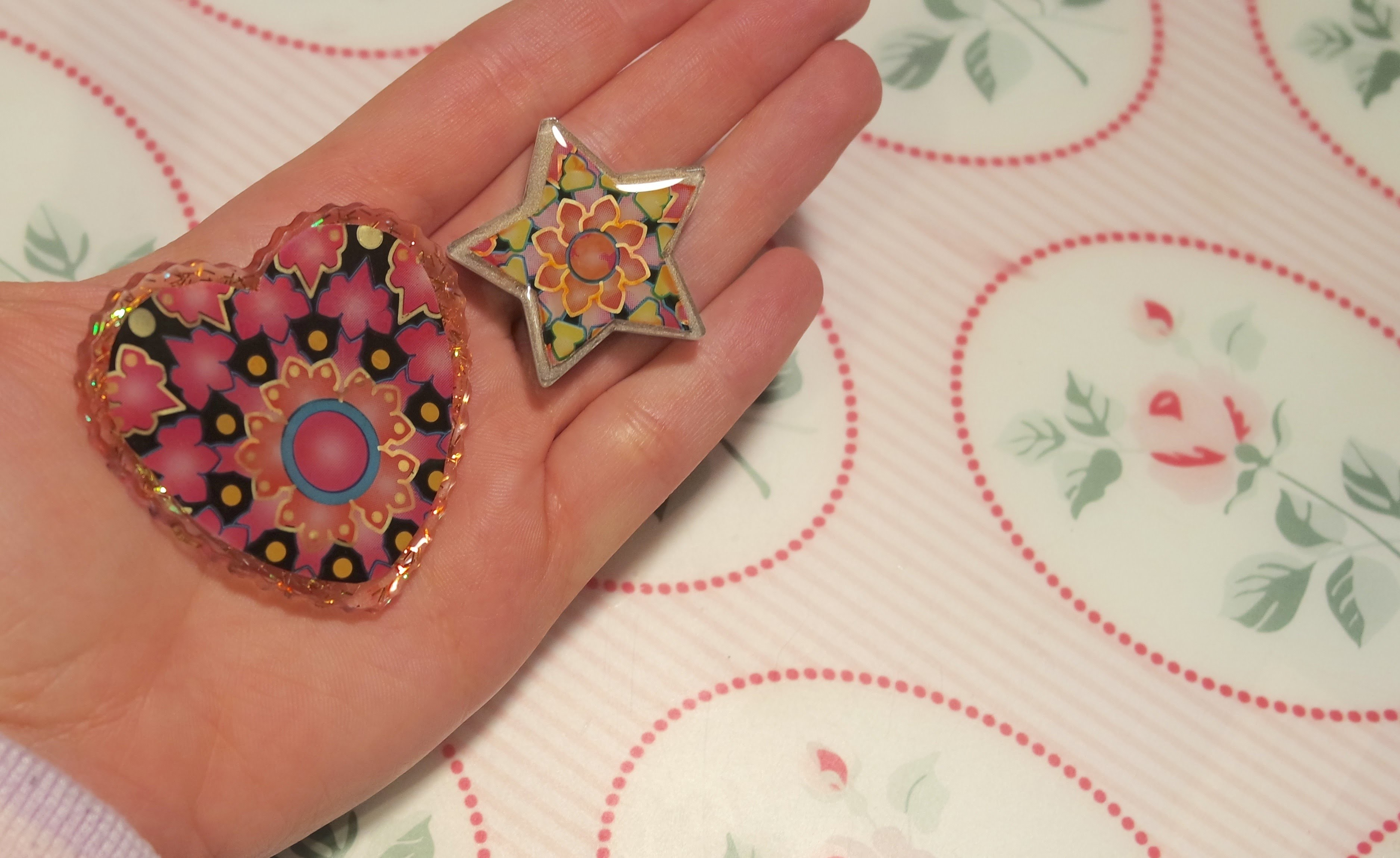 DIY 2 Resin Charms in riciclo creativo!|Creative recycling!