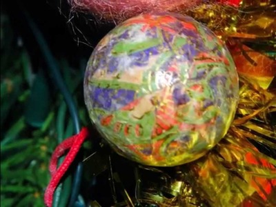 Decorazione e luci natalizie vintage. Vintage christmas ornaments and lights