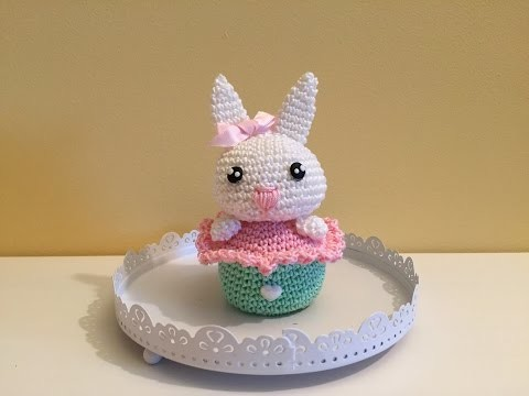 Coniglietto cake amigurumi (tutorial).How to crochet rabbit cupcake amigurumi