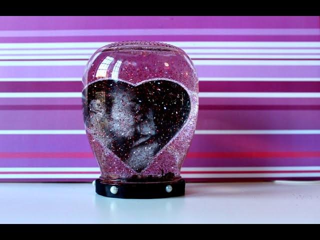 DIY | Riciclo creativo: da barattolo di vetro a palla di glitter con foto