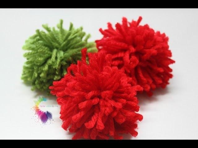 Pom Pom di lana TUTORIAL-How to make a Yarn Pom Pom- Come fare semplicissimi Pom Pom