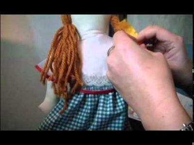 Realizziamo una Pigotta - II capelli.mpg