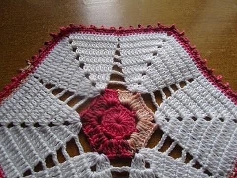 Uncinetto Crochet Centrino Bianco Rosa