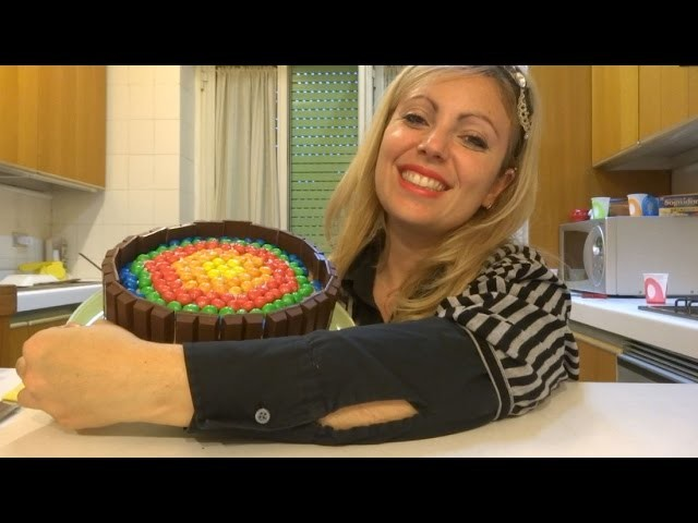 Ricetta torta kit kat e m&m's, rainbow cake