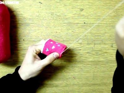 DIY Amplificatore di legno iPhone | calzino pupazzo di neve Snowman Pinky |  Giocattoli per bambini