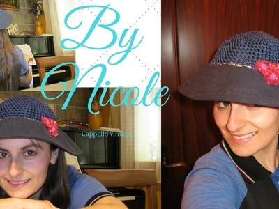 Cappello vintage all'uncinetto e stoffa