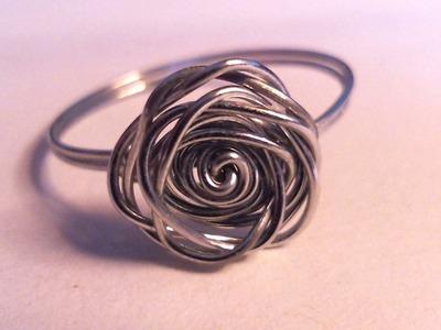 Anello semplice con rosa in filo di rame