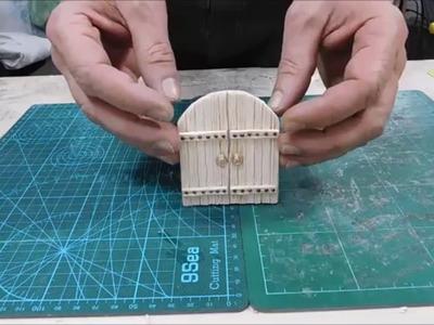Costruire un portone in legno di balsa