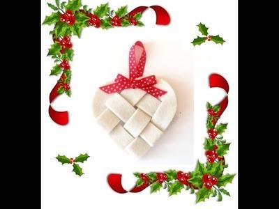 Natale 2015: decorazione cuore intrecciato in feltro www.filidiperle.it