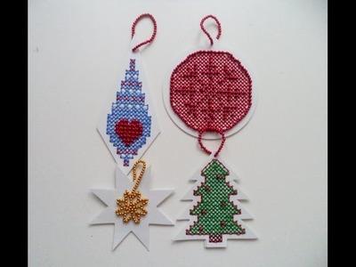 Natale 2016 Tag punto croce con perline www.filidiperle.it
