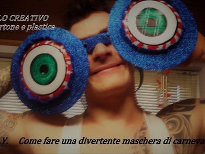 D I Y    come fare una maschera di carnevale con plastica e cartone - Riciclo creativo-